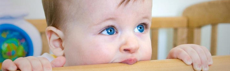 Baby-Entwicklung im 9. Monat » Laufen, Sprechen & Sicherheit